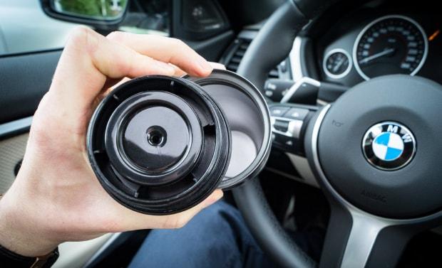 BMW Behälter offen von oben für Dichtigkeistest