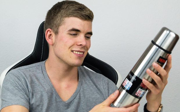 Thermos light & Compact 0,5 l Edelstahl-Isolierflasche im Test.