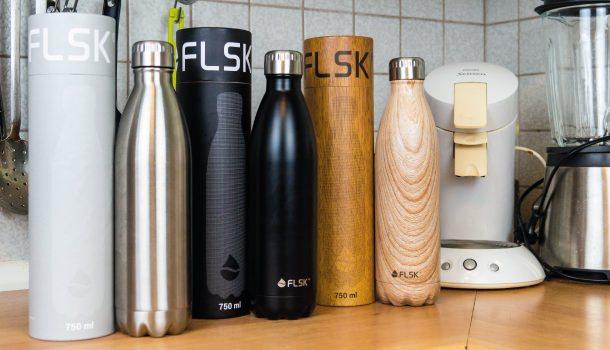 Es gibt die Trinkflasche in verschiedenen Designs.